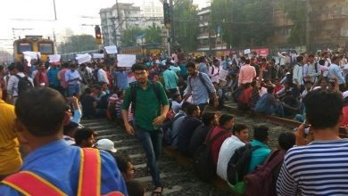 Photo of Students protest in Mumbai seeking jobs in Railway