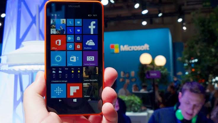 Photo of Microsoft Windows Phone will soon Lose Facebook Instagram apps