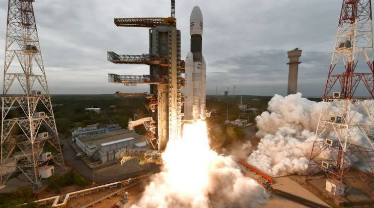 Photo of India's historic Moon landing mission Chandrayaan 2 faces communication 'failure'