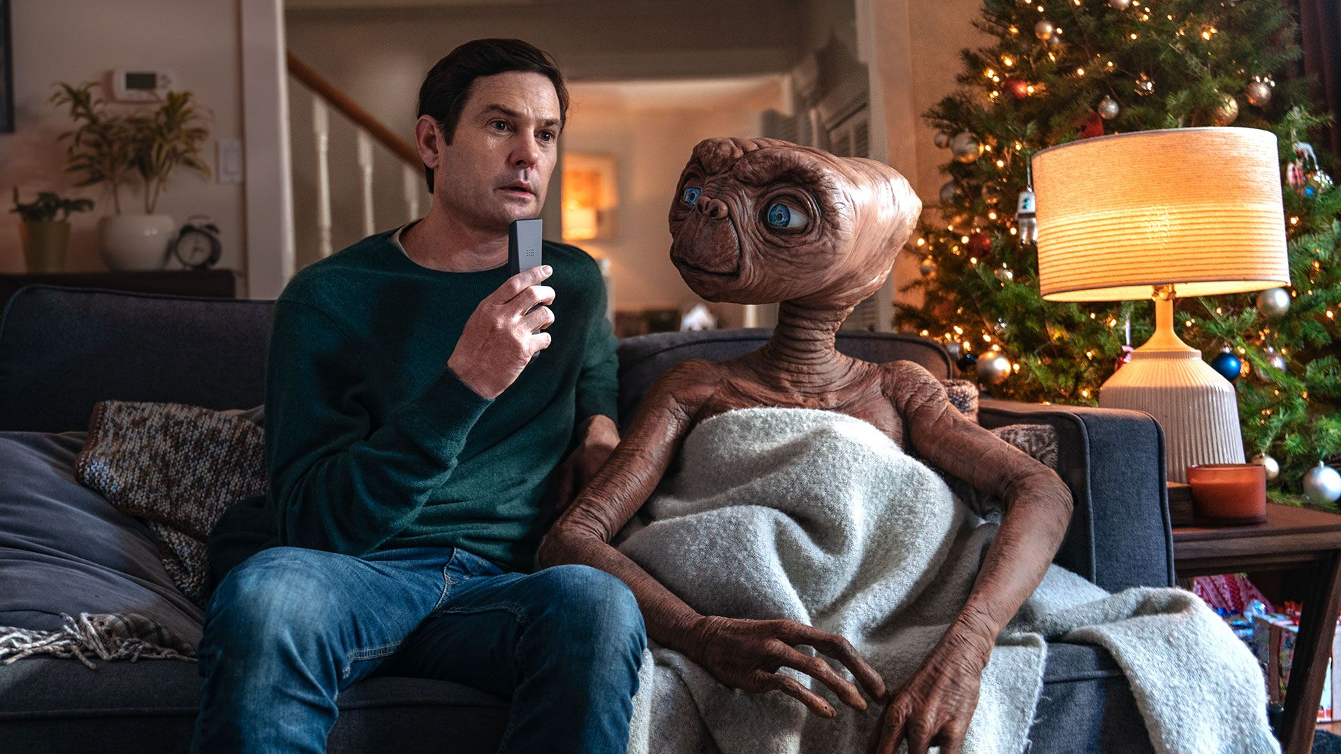 "Photo of Steven Spielberg's ET Reunites with Elliot for Holiday Season in Latest Sequel of ""E.T. the Extra-Terrestrial"""