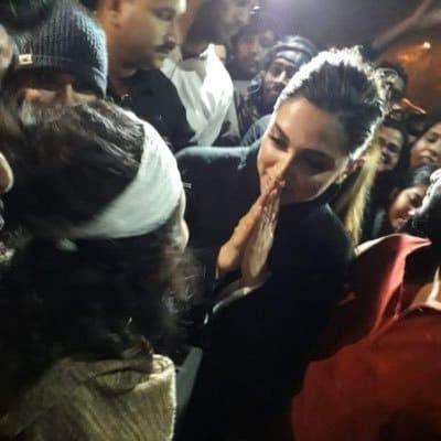 Photo of Bollywood's Deepika Padukone's JNU Visit Backfires, Chhapaak Might Take The Fall