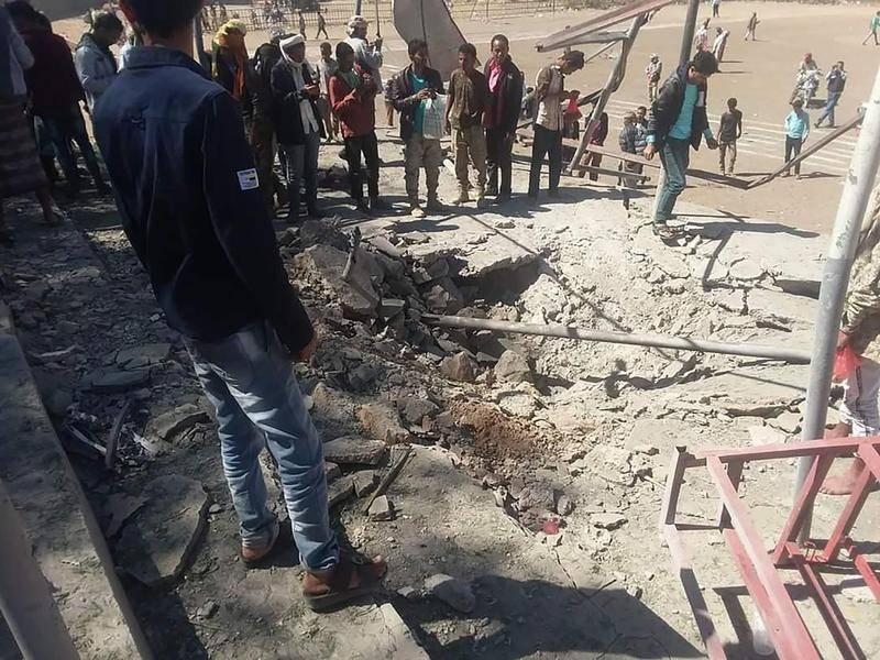 Photo of 70 Yemeni Soldiers Killed in Missile Attack On Mosque By Houthi Rebels