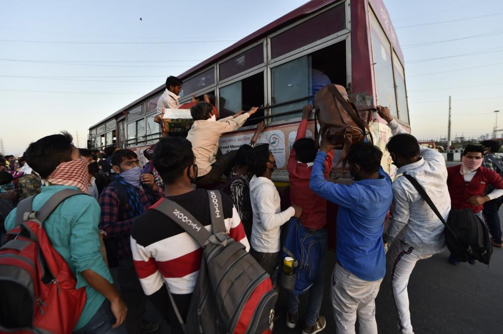 Photo of UP government arranges 1,000 buses to ferry stranded migrant workers to make them reach home