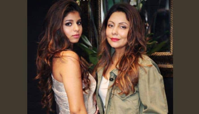 Photo of Gauri Khan clicks pictures of daughter Suhana Khan in her new look