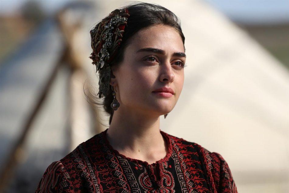 Photo of (Halime Sultan) Esra Bilgiç Net Worth in 2020