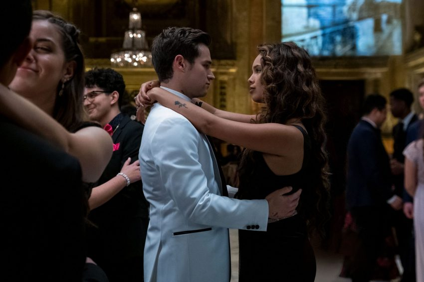 "Photo of ""13 Reasons Why"" series Ends: ""Jessica"" and ""Clay"" Speech of ""Life is a pretty Spectacular thing""!"